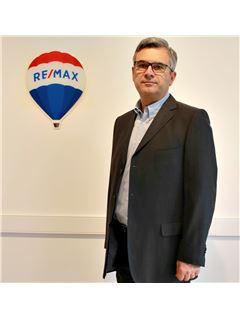 Associate - Bernard DE LA BROSSE - RE/MAX ImmoPlus