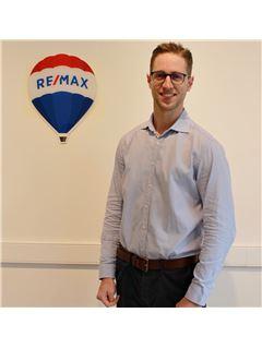 Associate in Training - Grégoire LIOTARD - RE/MAX ImmoPlus