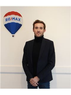 Associate in Training - Alexandre TAVERNE - RE/MAX ImmoPlus