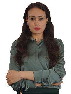 Associate in Training - Samia Bouzghaya - RE/MAX Immogp