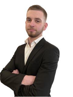 Associate in Training - Julien CALZETTA - RE/MAX Infinity