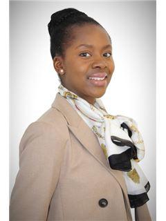 Associate in Training - Gloria Homegnon - RE/MAX Excellence