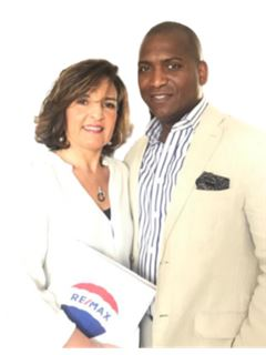 Associate in Training - Charles et Beatrice Marie-jeanne - RE/MAX NEWorld Immo Advance