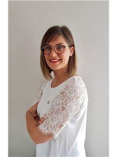Associate - Julie Duez - RE/MAX Platinium