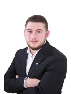 Associate in Training - Jordan SIMON - RE/MAX Infinity