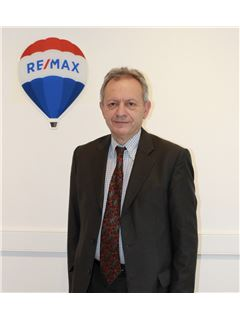 Associate in Training - Georges Huet - RE/MAX ImmoPlus