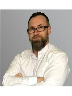 Associate in Training - Emmanuel Pelissier - RE/MAX La Réussite Immobilier