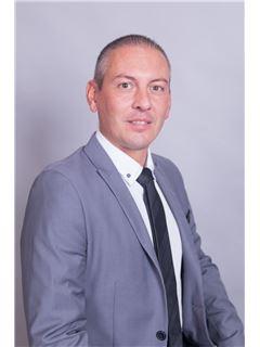 Associate in Training - GUILLERMIN Dominique - RE/MAX Immofrontiere