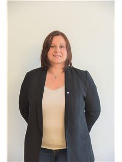 Associate in Training - Elodie MATHIEU - RE/MAX ImmoCalade