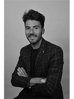 Associate in Training - Simon Garnier - RE/MAX La Réussite Immobilier