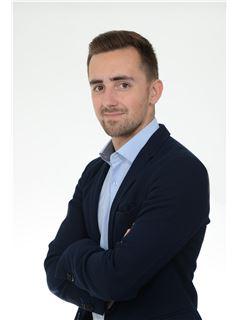 Associate - Pierre Vidal - RE/MAX Selection