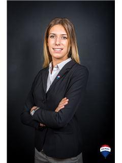 Agent - Margo Carminati - RE/MAX YourTeam