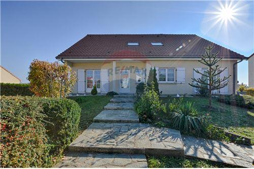 Angevillers, Moselle - 57 - Vente - 447.900 €