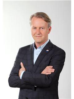 Paweł Kasprzak - RE/MAX Experts