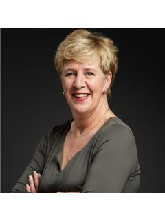 Anita van Prooijen - RE/MAX Plus