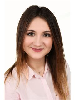 Karolina Mazur - RE/MAX Home Professional
