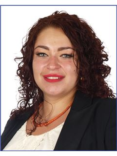 Sandra Stoch - RE/MAX Duo