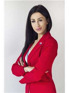 Kamila Surmaj - RE/MAX Home Professional
