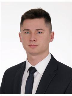 Patryk Junkiewicz - RE/MAX Grand
