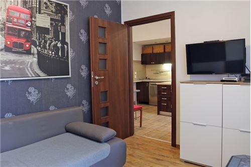 Dom dwurodzinny - Sprzedaż - Katowice, Polska - 63 - 800041001-678