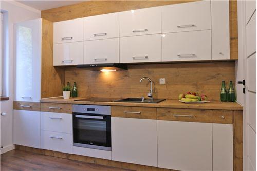 Mieszkanie na parterze - Sprzedaż - Katowice, Polska - 58 - 800041001-670