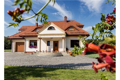 Dom wolnostojący - Sprzedaż - Jankowice, Polska - 1 - 470131026-120