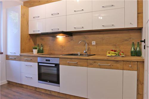 Mieszkanie na parterze - Sprzedaż - Katowice, Polska - 50 - 800041001-670