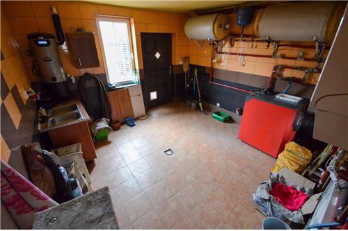 House - For Sale - Ustron, Poland - Kotłownia z wyjściem na tył domu - 800061070-16