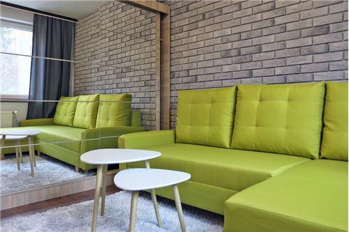 Mieszkanie na parterze - Sprzedaż - Katowice, Polska - 68 - 800041001-670