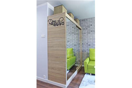 Mieszkanie na parterze - Sprzedaż - Katowice, Polska - 73 - 800041001-670