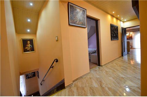 House - For Sale - Ustron, Poland - Hol na piętrze - 800061070-16
