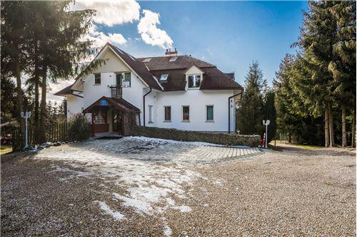 Sijoitus - Myytävänä - Naprawa, Polska - 74 - 470151015-363