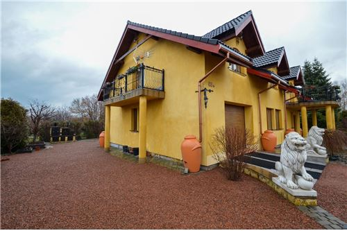 House - For Sale - Ustron, Poland - Front domu - 800061070-16