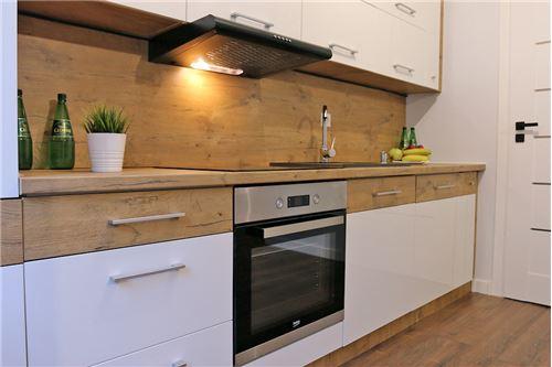 Mieszkanie na parterze - Sprzedaż - Katowice, Polska - 52 - 800041001-670