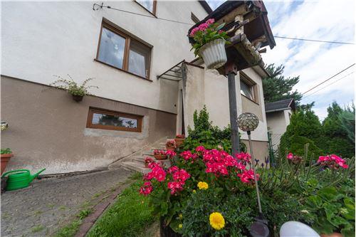 Dom dwurodzinny - Sprzedaż - Jaworze Dolne, Polska - 83 - 800061080-16
