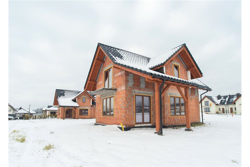 208 SqM: House For Sale, 1 Bedrooms located at Mazańcowicka -  Czechowice-Dziedzice, Polska | Poland