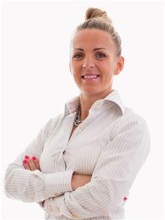 Joanna Butscher - RE/MAX Top