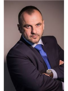 Krzysztof Kaczorowski - RE/MAX Capital