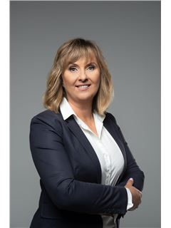 Magdalena Wierzbołowska - RE/MAX Capital
