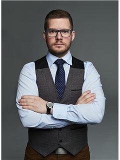 Krzysztof Janczewski - RE/MAX Capital