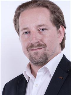 Tomasz Pierzycki - RE/MAX Capital