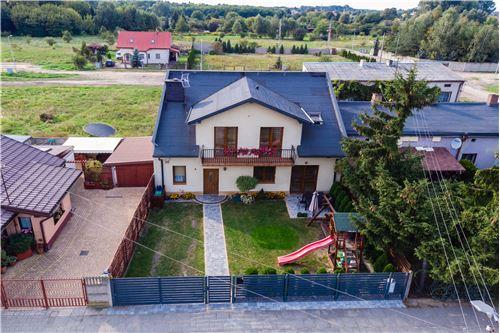 Dom jednorodzinny - Sprzedaż - Zduńska Wola, Polska - 1 - 810281009-13