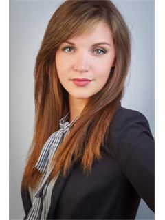 Amelie Paul - RE/MAX ImmoMaklerService