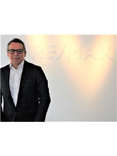 Directeur d'agence - Oleg Korolev - REMAX in Düsseldorf-Mitte