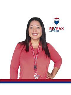 Diana Mora - RE/MAX Advisers
