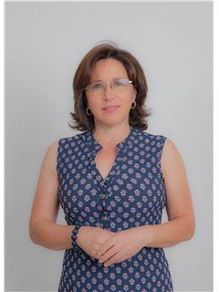 Consuelo Almeida - RE/MAX Capital