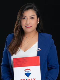 Carmen Guanoluisa - RE/MAX Capital