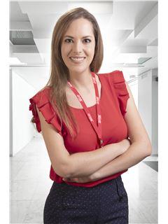 Maria Larrea - RE/MAX Platinum