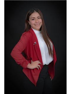 Myriam Moposita - RE/MAX Capital
