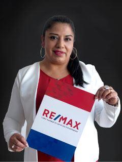 Adriana Escobar - RE/MAX Capital 2